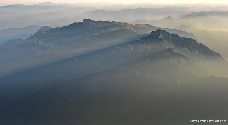 Ceahlăul - Aerofotografie Tedy Budulan