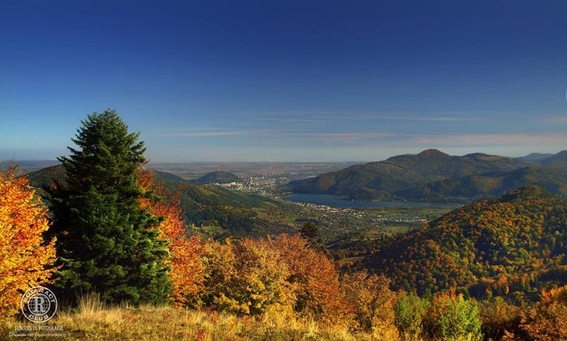 Panorama de pe Muntele lui Simon spre Piatra Neamt